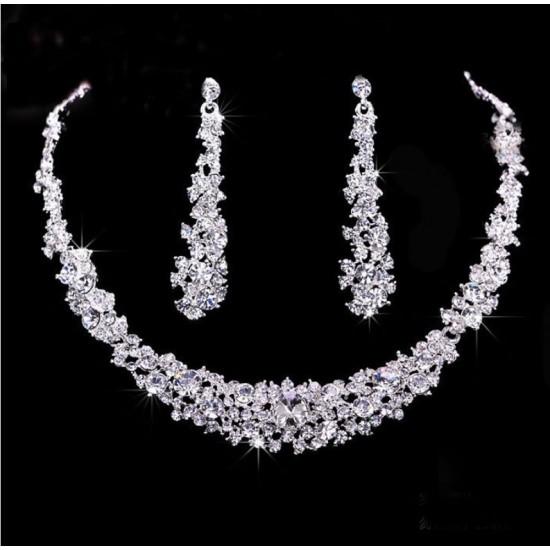 Set Bijuterii Colier Si Cercei Elegant Diamond
